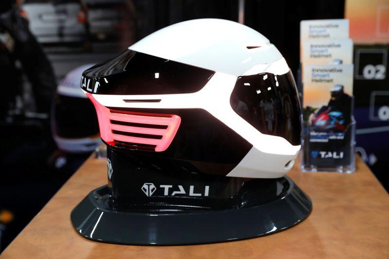 Tali connected helmet CES 2020